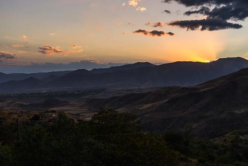 light sunset mountain landscape sony armenia amount dyxum vayotsdzor sal2875 slta99v aghavnadzor