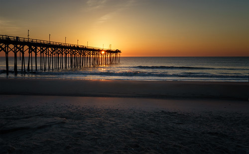 beach sunrise pier waterfront carolinabeach wilmingtonnc sonyilce7 sel2470z