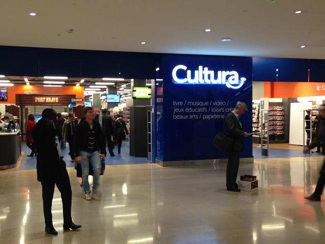 Magasin Cultura (La Défense)