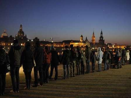 cadena humana bombardeos Dresde