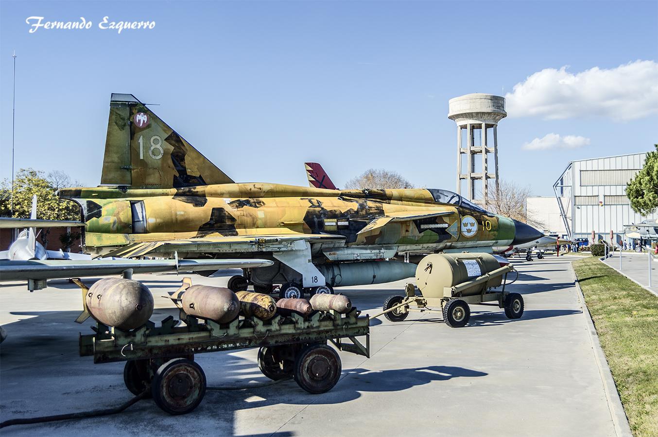 Saab J-37 (Viggen)