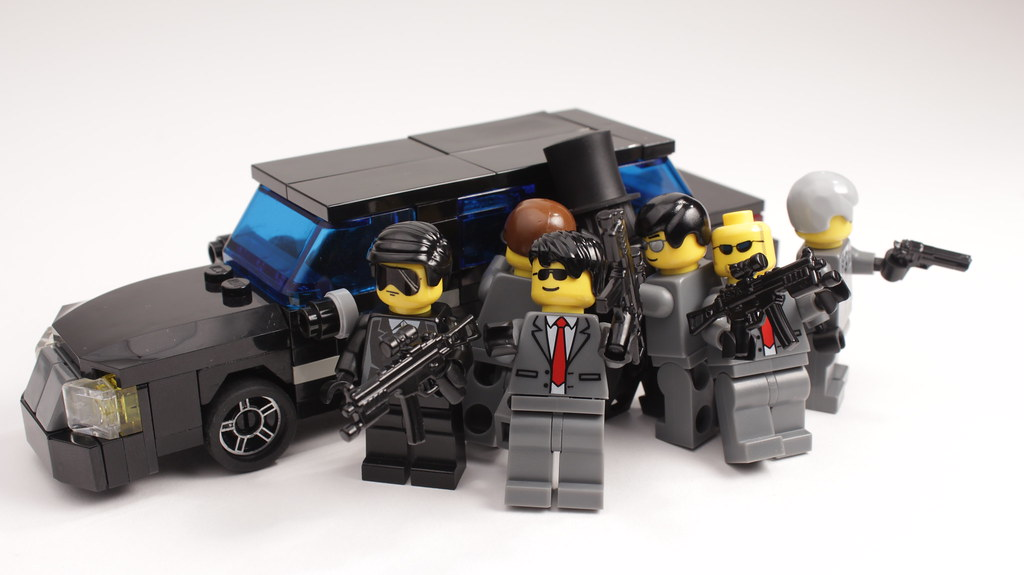 Get Him Into The Limo Lego Secret Service Agents Surround Flickr