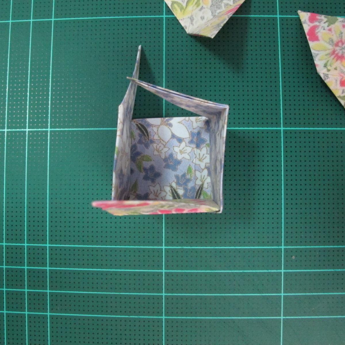 การพับกระดาษเป็นรูปเรขาคณิตทรงลูกบาศก์แบบแยกชิ้นประกอบ (Modular Origami Cube) 028