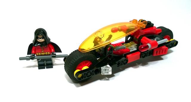 LEGO Batman: Robin's Redbird Cycle