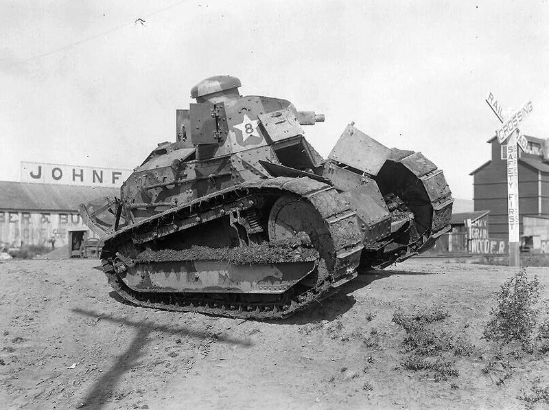 De Seis Toneladas Tanque M1917