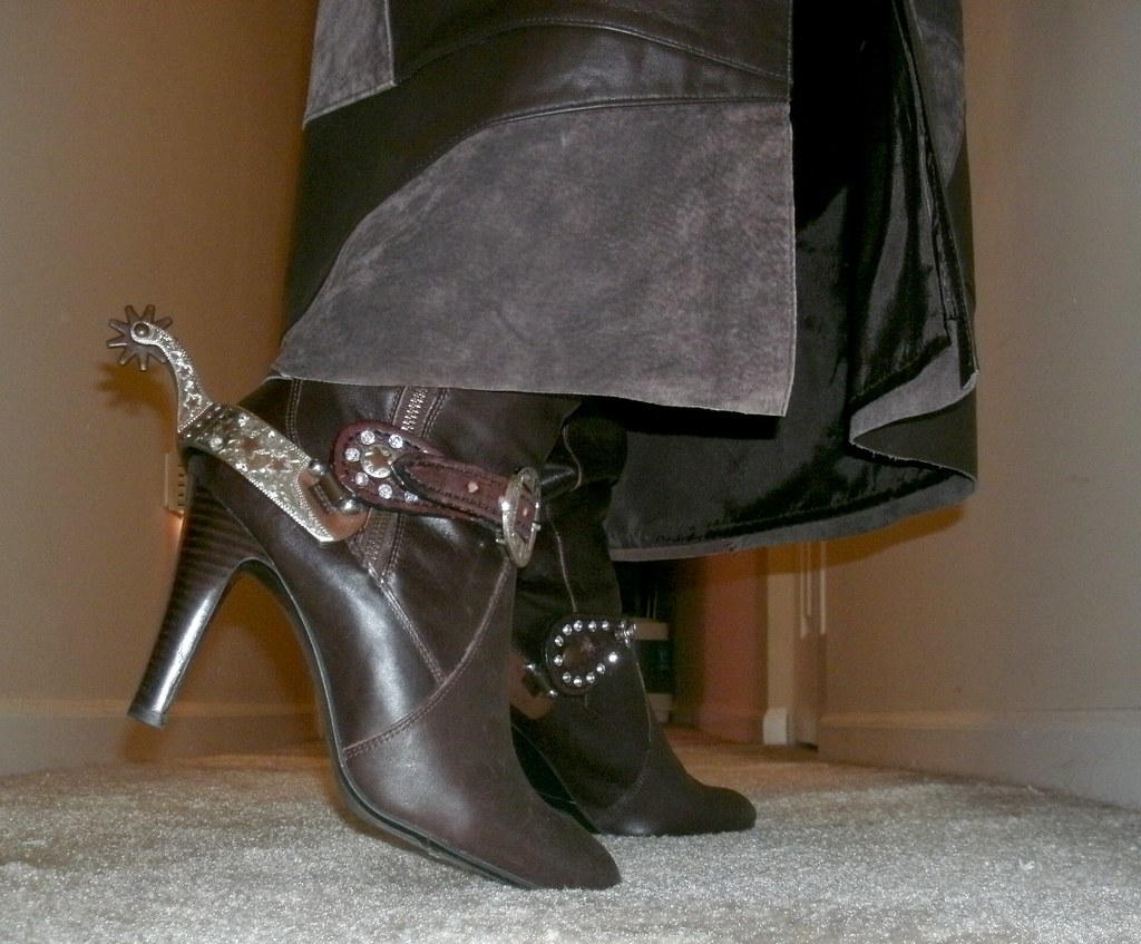 HOT High Heeled Boots \u0027n Spurs