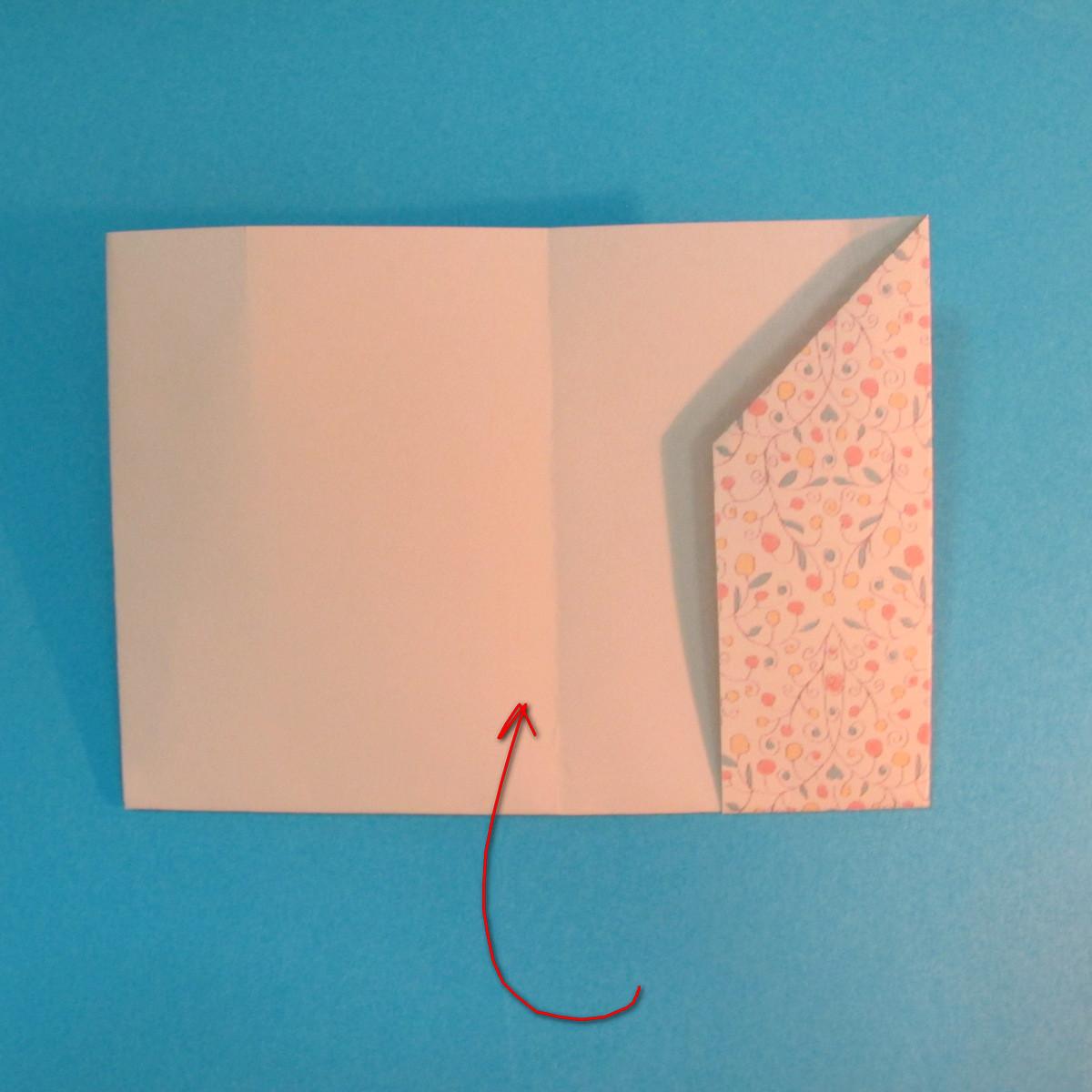 วิธีพับกระดาษเป็นผีเสื้อหางแฉก 016