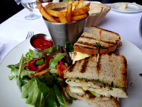 Water Street Cafe (Gastown Vancouver) - Grilled Chicken Club