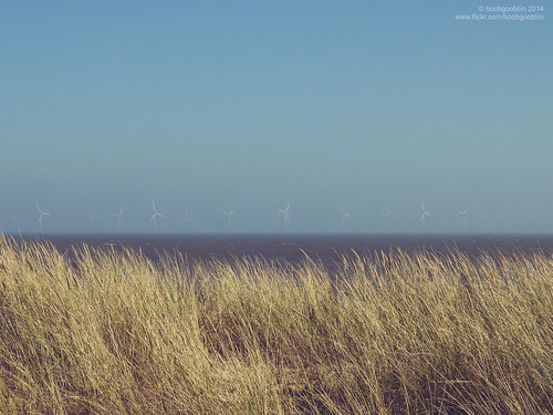 uk sea beach grass view shy lincolnshire skegness windturbines robcharles skegvegas hoobgoobliin flickrcomhoobgoobliin flickrcomphotoshoobgoobliin