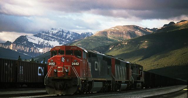 CN  #2442 DASH8-40CM Jasper AB August, 1996