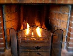 Varm och härlig brasa i Alvénrummet