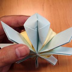 วิธีการพับกระดาษเป็นดอกบัวแบบแยกประกอบส่วน 023