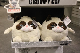 Grumpy Cat at Toy Fair 2014 with Ganz products   by insidethemagic