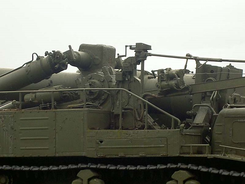 420mm 2B1 Oka Self-Propelled Gun-Mortar 7