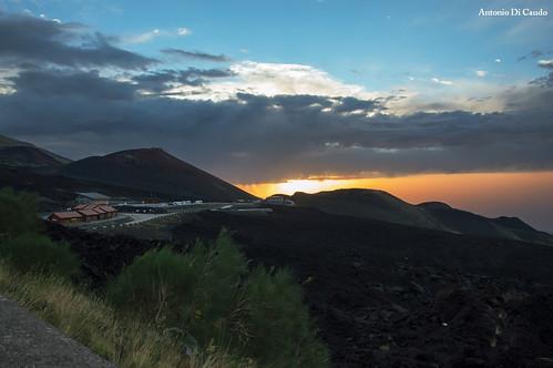 sunrise alba etna rifugiosapienza craterisilvestri etnasud