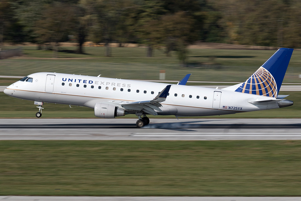 United Express (Republic Airlines) Embraer E-175 N725YX KC