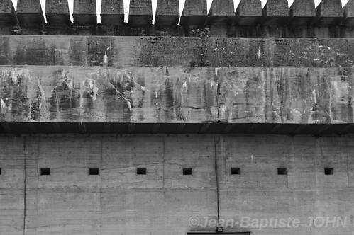 The Bordeaux U-Boat bunker in black and white