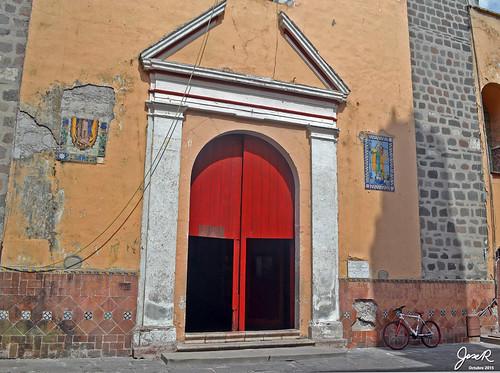 Puerta templo del Sagrado Corazón de Jesús
