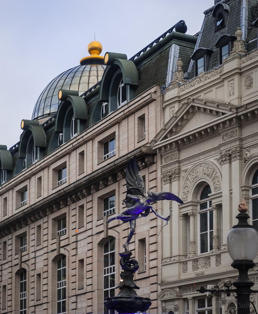 Лондон Великобритания Статуя Эроса Пикадилли