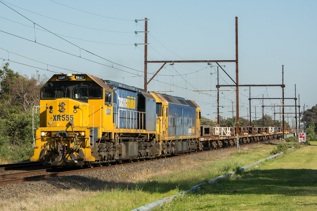 XR555-BL34 with #9556 up Long Island goods at Mordialloc by Luke's Rail Gallery