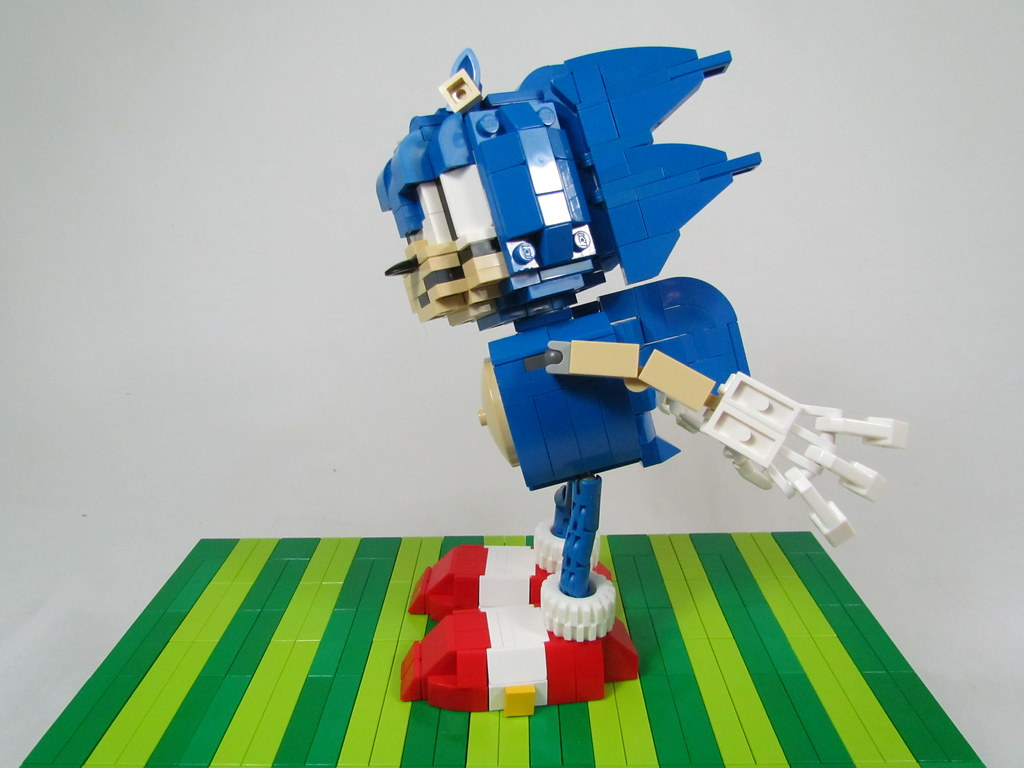 Lego Sonic The Hedgehog I Was Inspired By The Ball Socke Flickr
