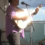 Sun, 04/08/2013 - 5:23pm - Vance Gilbert with his glowing guitar