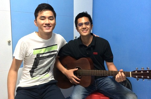 Private guitar lessons Singapore Jomar