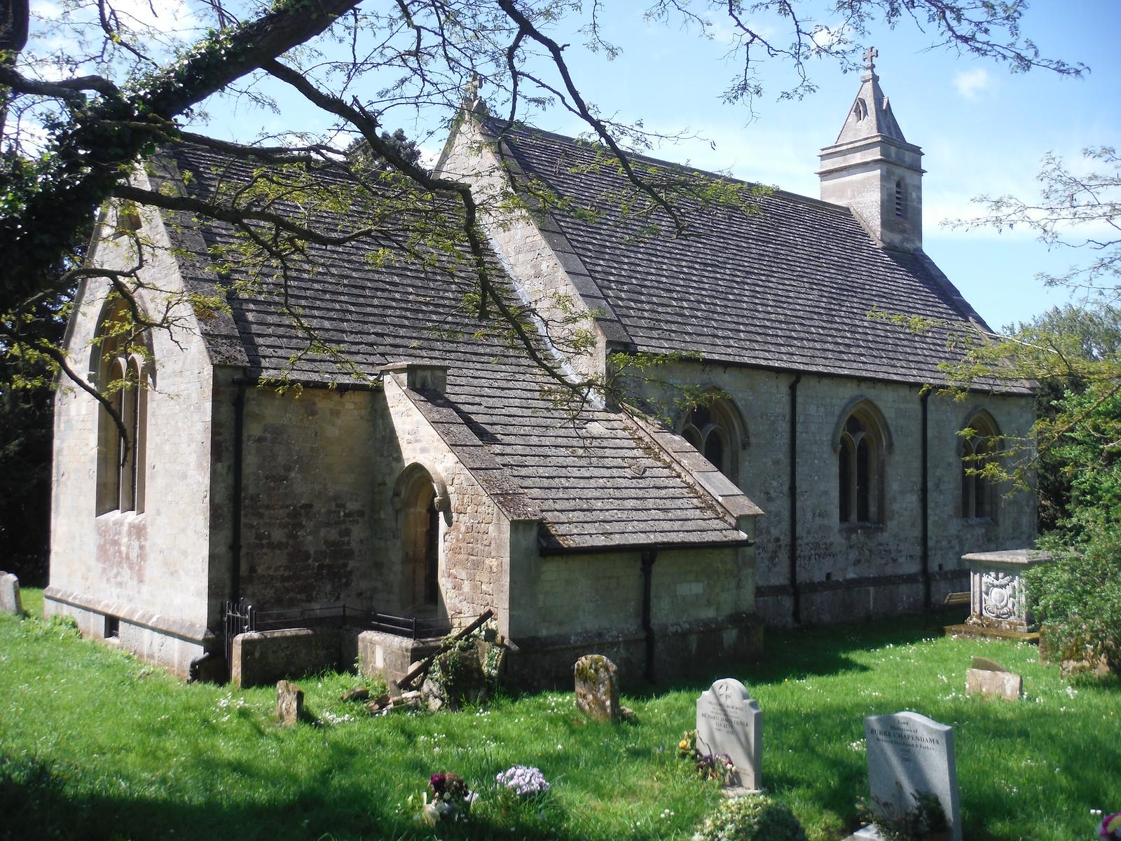 St. Helen's Church, Albury SWC Walk 190 - Thame Circular