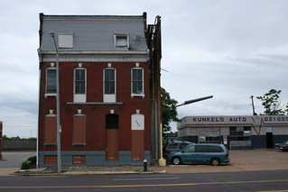 Kunkel's Auto and that House | by pasa47