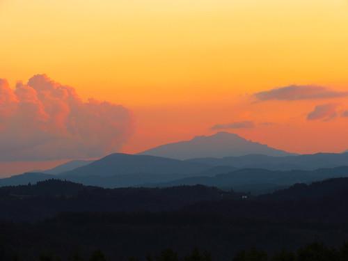 sunset landscape northcarolina blueridgeparkway grandfathermountain westernnorthcarolina southernappalachians mountjeffersonoverlook canonpowershotsx40hs