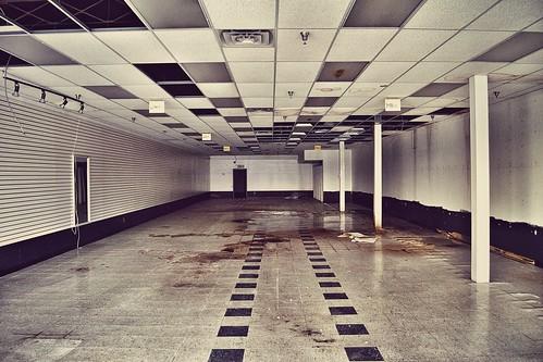 usa retail mi america dead us closed michigan detroit vacant shoppingcenter stores lincolnpark shuttered 2015 sunrisefashions