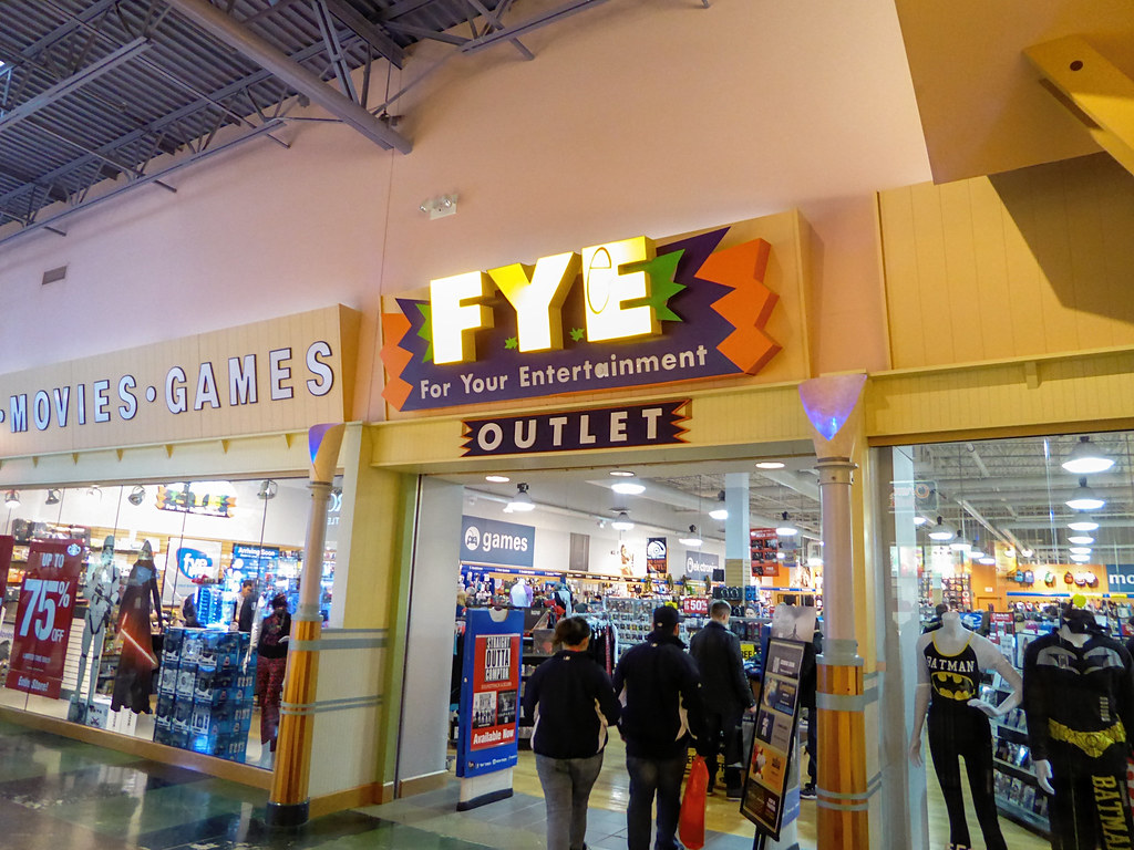Fye Great Lakes Crossing This Is The Largest Fye Store I