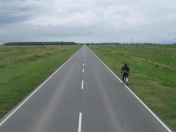 Man on a bike Argentina 2009_11300070 231109