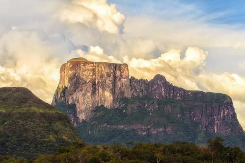 Kuaymayojo - Monumento natural Cerro Autana