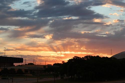 morning sky sun sunrise canon landscape texas tx beam sunbeam denton unt morningsun northtexas dentontx