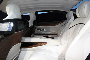 16 BMW-2014-VISION-FUTURE-LUXURY-11