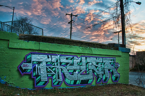 boss sunset streetart graffiti virginia nikon downtown tag writer pbr charlottesville avonstreet thulsa topazadjust bobmical