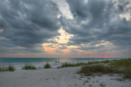 light sunset sea usa sun beach gulfofmexico clouds strand sunrise nikon meer florida wolken bluehour sonne blauestunde annamariaisland golfvonmexiko d3300