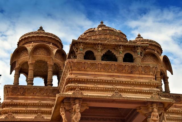 Shri Sanatan Mandir (temple)