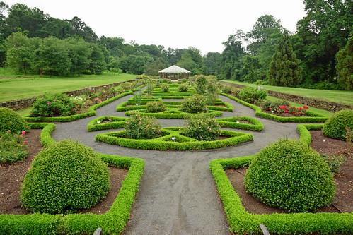 park gardens newjersey rosegarden middletownnj deepcutgardens