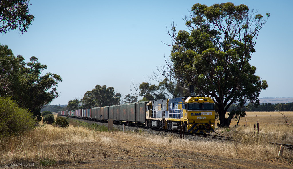 NR39 at Wingeel by michaelgreenhill