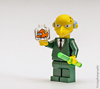 Lego Simpsons Mr Burns with Blinky three eyed fish | by xstc