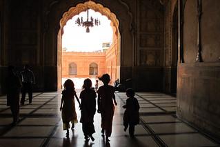 Girls at Badshahi Mosque   by Lil [Kristen Elsby]