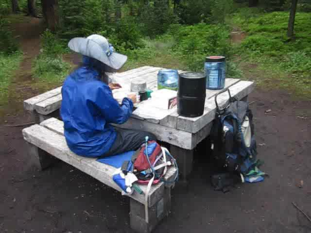0560 Video of breakfast with the mosquitoes at our campsite at JO29 (Johnston Creek Trail)