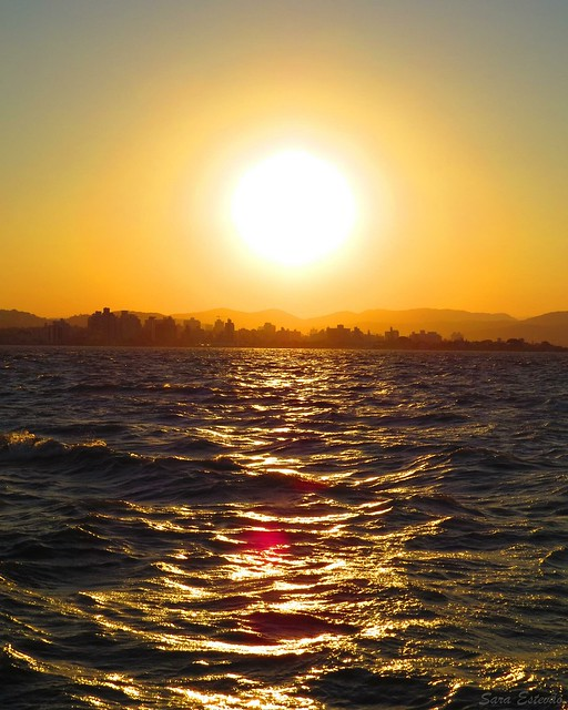 Pôr do Sol na Beira Mar Norte, Florianópolis, SC