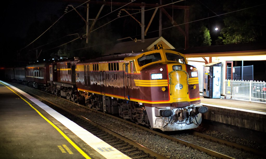 4306 Passing Asquith by Trent
