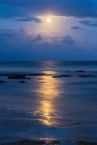 ocean sea moon canon reflections sand colours moonrise canoneos650d