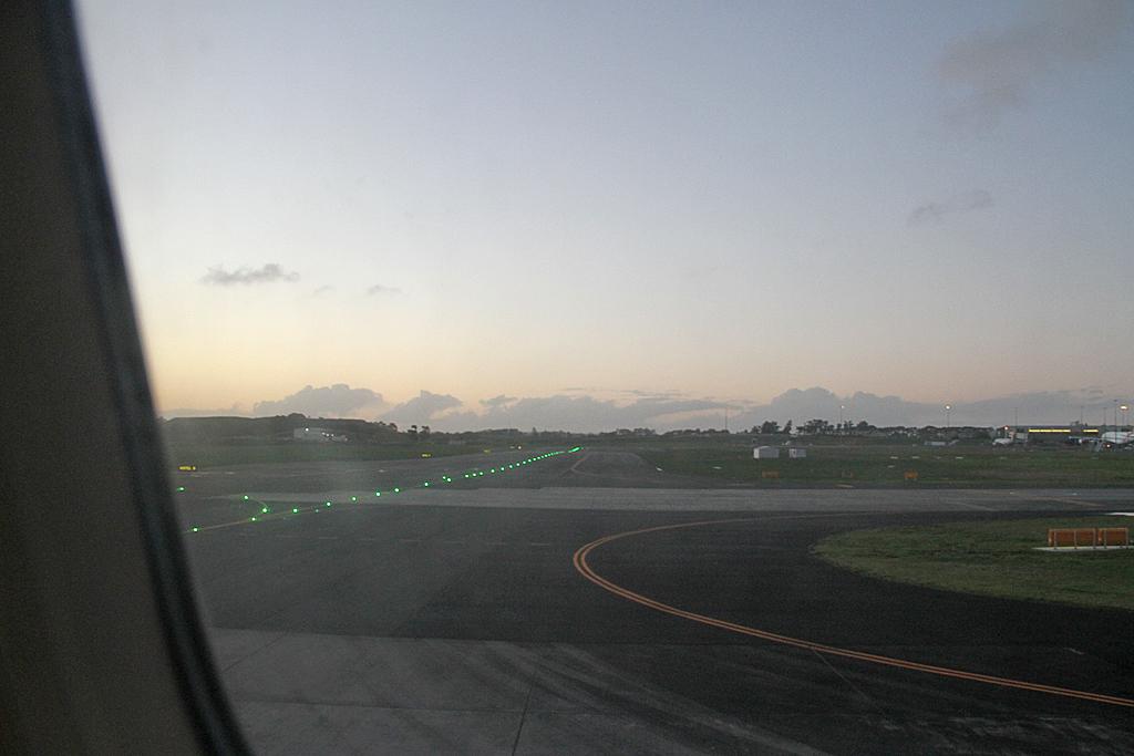 AirnewzealandA320-232-ZK-OJC-30