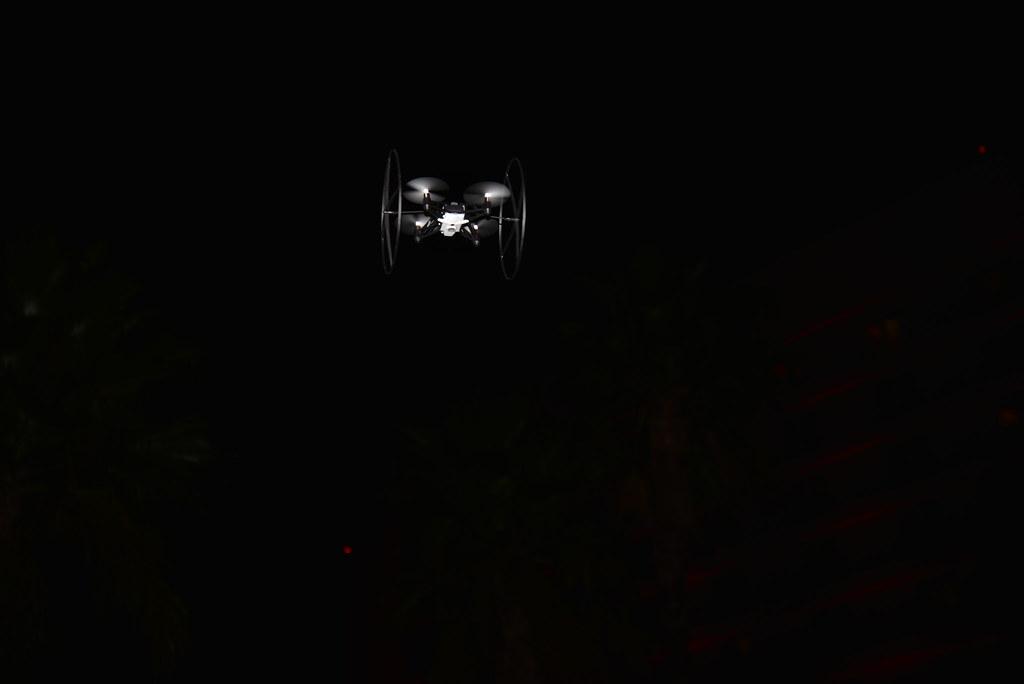 Living in Digital Times 2014 Robotics on the Runway 40