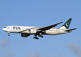 AP-BGK Boeing 777-240 ER Pakistan International Airlines